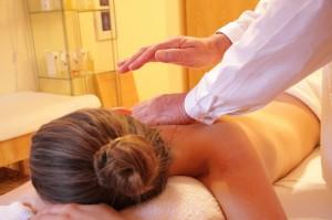 massage 1 wellness-285589_1280